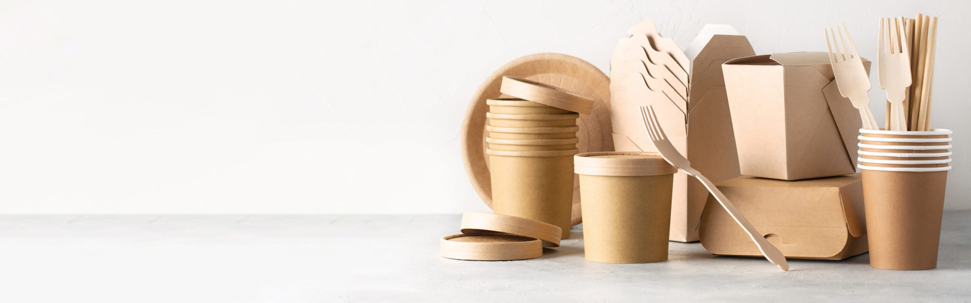 Sustainable kraft food containers and cutlery